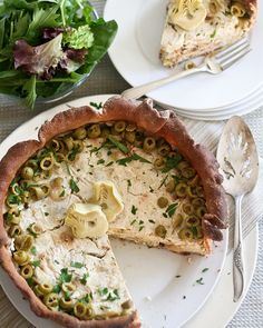 Artichoke and Green Olive Savory Cheesecake. I can't wait to try this. My family will love it, this may be a cheesecake I like! Savory Cheesecake, Cheesecake Recipes, Appetizers For Party, Appetizer Recipes, My Burger, Savory Tart, Savory Muffins, Pear Recipes, Cheesecakes