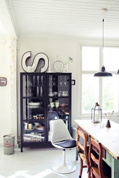 Love this sweet home in Finland, with stylish little touches everywhere ...  home belongs to (and photographed by) Maiju @ Second Hand Life.