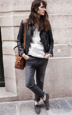 About Caroline de Maigret style: She tends to look very natural, casual and chic at the same time. Parisienne Chic, Madewell, Style Casual, Style Me, Coco Chanel, Looks Jeans, Estilo Denim, Mein Style, Vogue