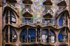 Resultado de imagem para art nouveau arquitetura gaudi