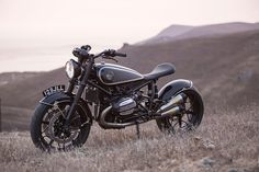 Vintage Vibe: Roland Sands and Cristian Sosa take the BMW R nineT back in time.