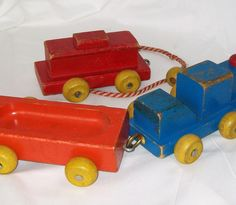 Playskool Wooden Train Pull Toy Vintage Wood Cars Blue Engine Red Caboose