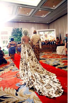 this is my wedding dress by anne avantie..javanese wedding  Indonesia