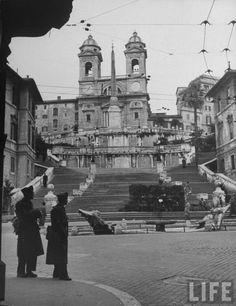 PIAZZA DI SPAGNA DICEMBRE 1947
