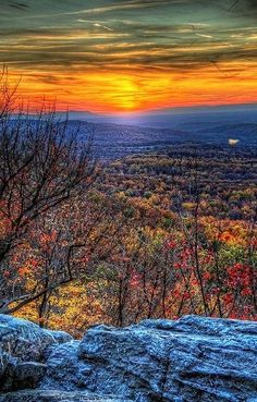 Bears Den Overlook, Appalachian Trail, Bluemont, Virginia. I'd get up early to see that sunrise.