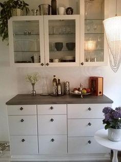 sisustusta ja elämää: Keittiön pintaremontti Kitchen Cabinets, Furniture, Home Decor, Decoration Home, Room Decor, Kitchen Base Cabinets, Home Furnishings, Arredamento, Dressers