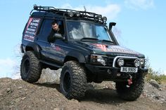 Looking at getting a Disco1. Help with wider Tyres plz | LandyZone - Land Rover Forum