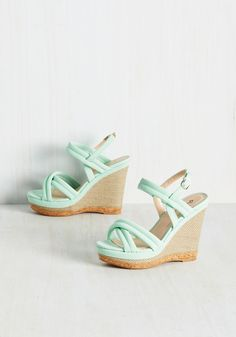 Textured Perfection Wedge. Its said that variety is the spice of life, and boy, do these mint wedges make things flavorful! #mint #modcloth