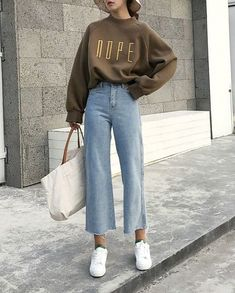 26 Classy Fall Outfits To Copy For Fall outfits Newest fall outfits casual outfits; Mode Outfits, Retro Outfits, Trendy Outfits, Vintage Outfits, Fashion Outfits, Night Outfits, Classy Outfits, Fashion Ideas, Fashion Tips