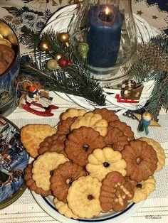 Ánizsos és kakaós keksz - sütinyomóval Gingerbread Cookies, Clean Eating, Food And Drink, Vegan, Gingerbread Cupcakes, Eat Healthy, Healthy Nutrition, Clean Eating Foods, Vegans