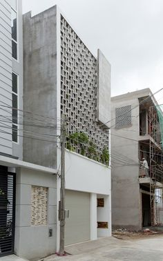 B House / i.House Architecture and Construction