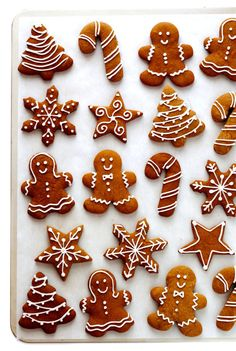Gingerbread Cookies -- my all-time favorite recipe for these classic Christmas c. - Gingerbread Cookies — my all-time favorite recipe for these classic Christmas cookies! Christmas Sweets, Christmas Cooking, Noel Christmas, Christmas Crafts, Cheap Christmas, Christmas Ideas, Christmas Bedroom, Christmas Cupcakes, Magical Christmas