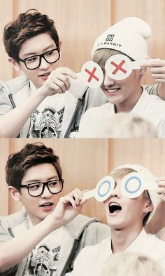 Chanyeol and Kris :D omfg is Kris smiling?! Am I dreaming?