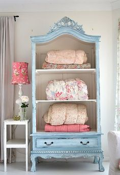 so cute...great idea for a guest room. Add some extra pillows and towels. :)