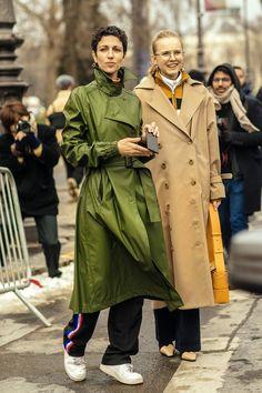 1/78 Street style: tydzień mody w Paryżu jesień-zima 2018-2019