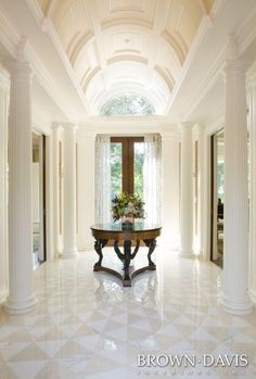 STUNNING ENTRANCE  Brown Davis Interiors, Inc   Foyer