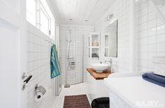 smallhousebliss-cottage-in-kalvsvik-bathroom.jpg (960×633)