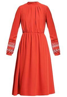Robes légères mint&berry Robe d'été - red ochre rouge foncé: 45,00 € chez Zalando (au 10/03/17). Livraison et retours gratuits et service client gratuit au 0800 915 207.
