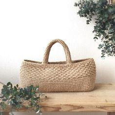 Crochet Clutch, Crochet Handbags, Making Fabric Flowers, Art Bag, Craft Bags, Jute Bags, Basket Bag, Knitted Bags, Handmade Bags