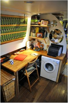 Barge Interior, Best Interior, Houseboat Living, Houseboat Ideas, Canal Boat Interior, Canal Barge, Narrowboat Interiors, Dutch Barge, Earthship Home