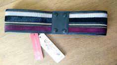 Cinto artesanal feito à mão em 100% couro. E com detalhes que fazem toda a diferença. Este modelo é único tamanho P e fica ótimo para acinturar vestidos na altura do joelho.  www.malumodas.com  #lojaonline #loja #campinas #cinto #acessorios #couro #listrado #cores #combinacao http://ift.tt/29Ss7Qh #moda #campinas #grife #modabrasileira