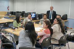 Presentación de la Mesa 3. Mtra. Rebeca Valenzuela, Seminario: Visiones sobre Mediación Tecnológica en Educación. Primera Sesión, 10 de febrero de 2014.