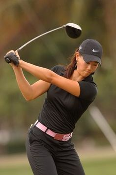 Get Better At Golf With These Simple And Effective Tips. This article is full of helpful advice if you are looking to improve your golf game. With a little new knowledge, and a lot of practice, your game will be Golf Outfit, Golf Attire, Girls Golf, Ladies Golf, Golf Fotografie, Revolution, Golf Photography, Best Golf Courses, Golf Instruction
