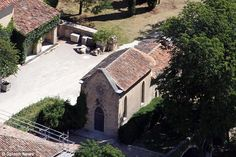 The Chapel, a  small religious building can be seen on the property which could be where the couple exchanged vows.