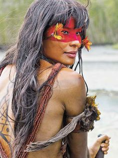 THE NATIVE PEOPLE OF BRAZIL - The bright and beautiful natives of Brazil. In 2007 the National Indian Foundation or FUNAI (a Brazilian governmental protection agency for Indian interests and their culture) reported that it had confirmed the presence of 67 Warrior Princess, Beautiful World, Beautiful People, Beauty Around The World, Portraits, Interesting Faces, World Cultures, People Around The World, Belle Photo