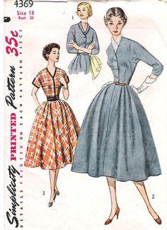 1950s Misses Dress Vintage Sewing Pattern by MissBettysAttic, $15.00