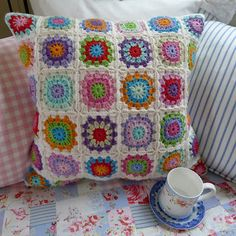 Granny Square Crochet Cushion - Mias Landliv {I love here blog!}