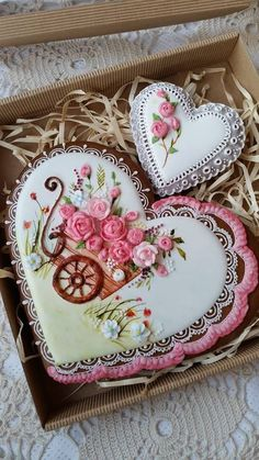 I love this work Mother's Day Cookies, Valentines Day Cookies, Fancy Cookies, Vintage Cookies, Heart Cookies, Iced Cookies, Cute Cookies, Easter Cookies, Royal Icing Cookies