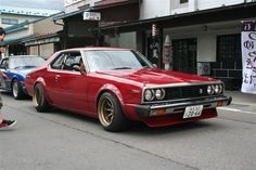 The more I see them the more I want an old Datsun!