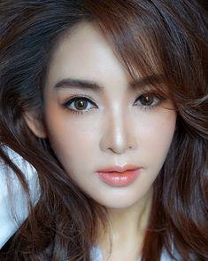 asian makeup – Hair and beauty tips, tricks and tutorials Diy Beauty Face, Beauty Art, Beauty Hacks, Hair Beauty, Bridal Makeup, Wedding Makeup, Asian Makeup, Korean Makeup, Korean Skincare