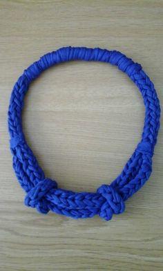 collar con nudos
