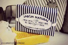 Jabones naturales, personalizados a la carta para eventos y regalos especiales.