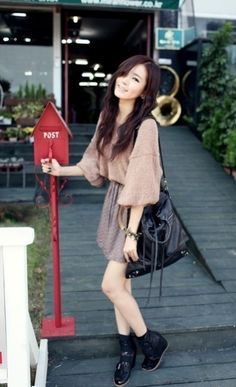 Cute and laid-back girl look with the large sleeved top, skirt, and ankle boots. Ulzzang Fashion, Harajuku Fashion, Ulzzang Style, Cute Fashion, Fashion Looks, Fashion Outfits, Womens Fashion, Girly Outfits, Cute Outfits