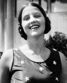 Miss America 1926: Miss America 1926, Norma Smallwood of Tulsa, Oklahoma. Smallwood, the mother of a 4-year-old daughter, De Cygne L'Amour, ...