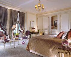 Le Meurice (Superior Suite - Bedroom)