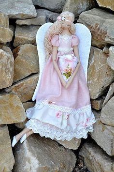 Купить или заказать Ангел 'Добрая весть' в интернет-магазине на Ярмарке Мастеров. Ангел любви, света, добра и хороших новостей, которые приносит белый голубок. Пусть мир и любовь царят везде: в мире, в стране, в семье! Берегите друг друга и пусть ангел будет вам в помощь! При просмотре, жмите на фото - они будут открываться в новом формате и лучшем качестве! Если будете покупать ангелочка в подарок, обратите внимание, к вашему подарку можно подобрать чудесную открытку www.
