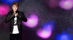 Teen pop sensation Justin Bieber tops the list of most popular celebrities on social media, this past week.
