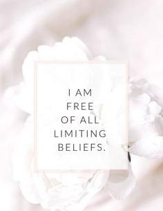 Use these affirmations to create a life of abundance & happiness. Affirmations For Women, Positive Affirmations Quotes, Self Love Affirmations, Affirmation Quotes, Positive Quotes, Gratitude Quotes, Positive Mindset, Positive Vibes, Self Love Quotes