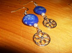China blue dangle earrings with silver flowers