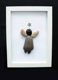Stone Crafts, Rock Crafts, Diy Crafts, Pebble Art Family, Angel Crafts, Stone Pictures, Seashell Art, Ocean Themes, Beach Art