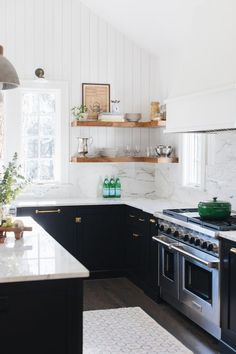 Are you tired of seeing the same white Farmhouse kitchen over and over again. Or maybe you are remodeling your kitchen and looking for something just a little different. I've rounded up my favorite Non white Farmhouse Kitchens in this post you will LOVE! Kitchen Flooring, Small Kitchen, White Farmhouse Kitchens, Kitchen Remodel, Interior Design Kitchen, New Kitchen, Home Kitchens, Kitchen Renovation, Kitchen Design