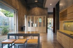 Gallery of Rumah Miring / Andyrahman Architect - 9