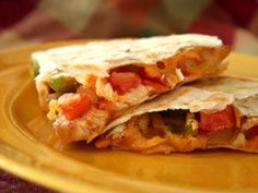 For a light but healthy lunch try chicken quesadillas! Make your chicken with La Criolla Fajita or Taco blends (or both) for extra fun flavor! Wrap Recipes, Gourmet Recipes, Mexican Food Recipes, Vegetarian Recipes, Cooking Recipes, Healthy Recipes, Healthy Dinners, Healthy Snacks, Chicken Menu
