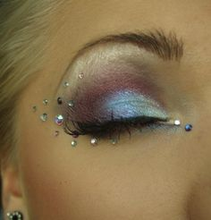 Linda Hallberg - makeup artist cute idea for mermaid make up!