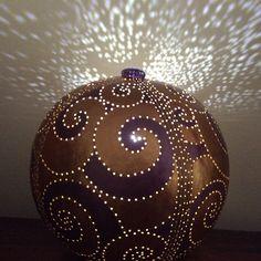 Calebasse allumée  Gourd lamp