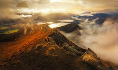 Roy's Peak - Roy's Peak is a mountain in the South Island of New Zealand, standing between Wanaka and Glendhu Bay with the height of 1,578 m. From its summit, it offers a grand view across Lake Wanaka and up to the peak of Mount Aspiring. Photography by Yan Zhang